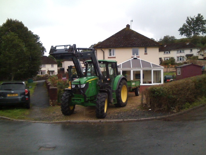 054 W Road to CAT Tractor