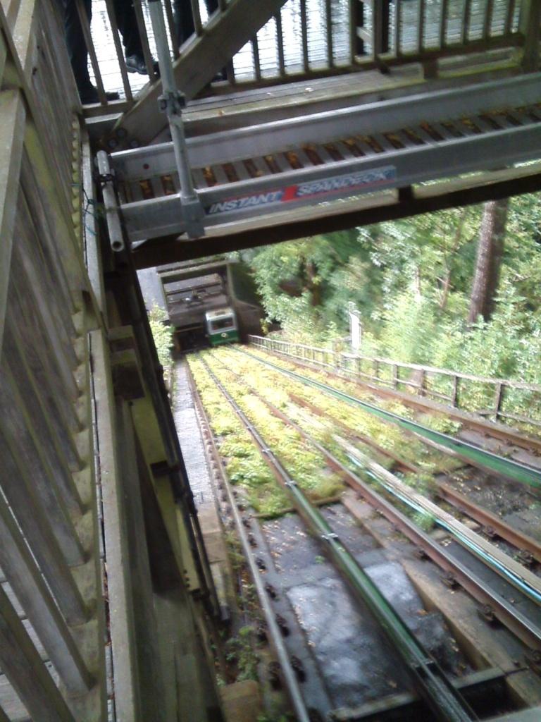 064 W CAT funicular 3