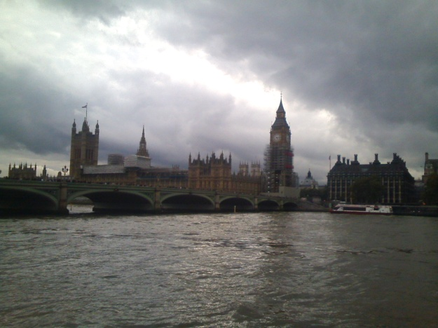 1 LANDSCAPES URBAN CITY CENTRE WESTMINSTER FROM SOUTH OF THE THAMES NOTE THE SKY MORE FREQUENT AND INTENSE PRECIPITATION FIXTURE